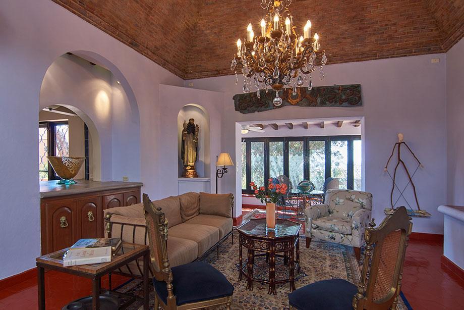 Casa de los Leones luxury properties
