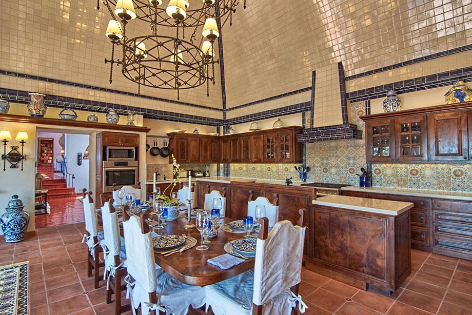 Luxury homes in Casa de los Leones