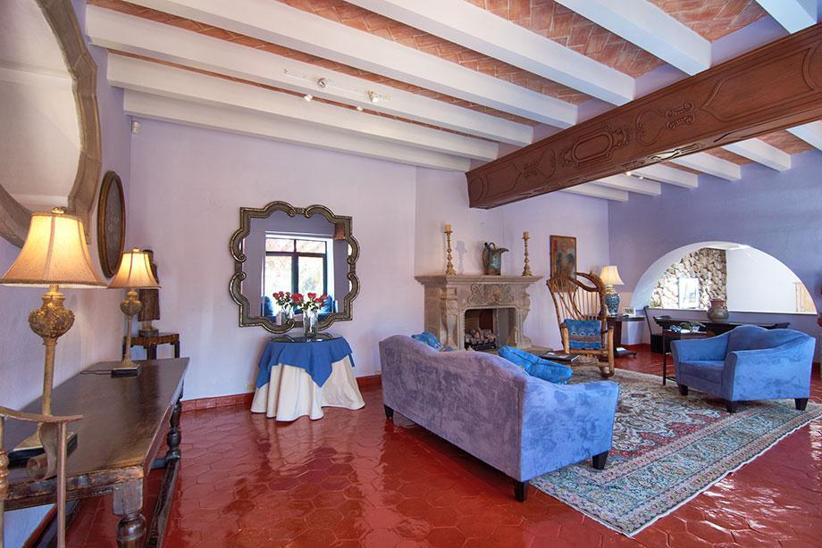 Luxury real estate Casa de los Leones