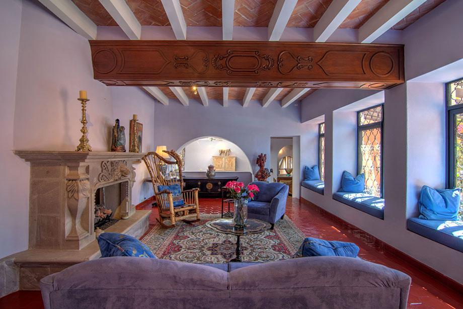 Casa de los Leones luxury real estate