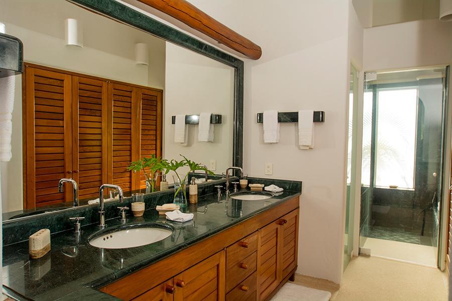 Luxury homes in Ixtapa Ocean View Villa