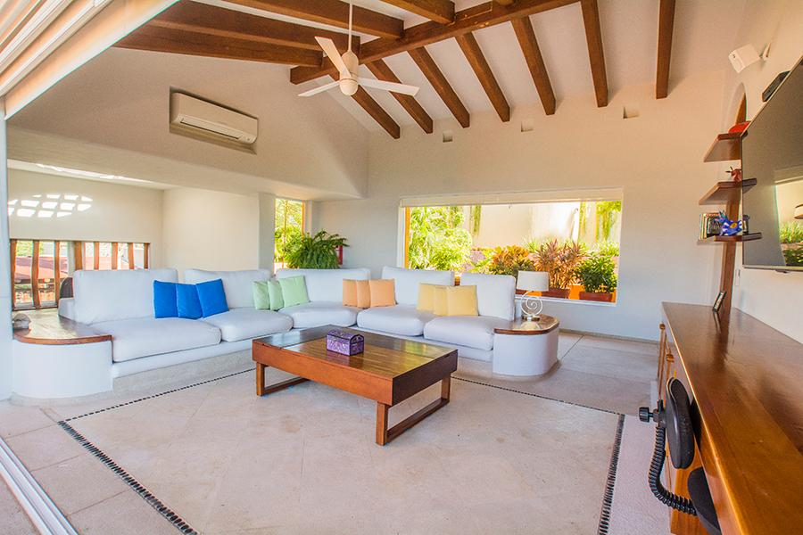 Mansions in Ixtapa Ocean View Villa