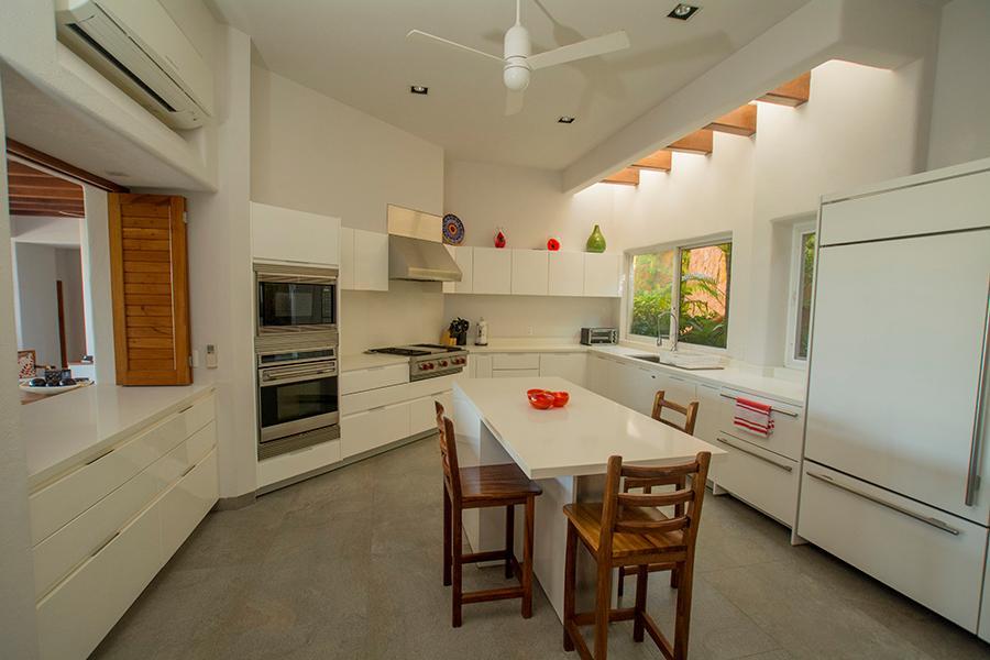 Luxury properties Ixtapa Ocean View Villa