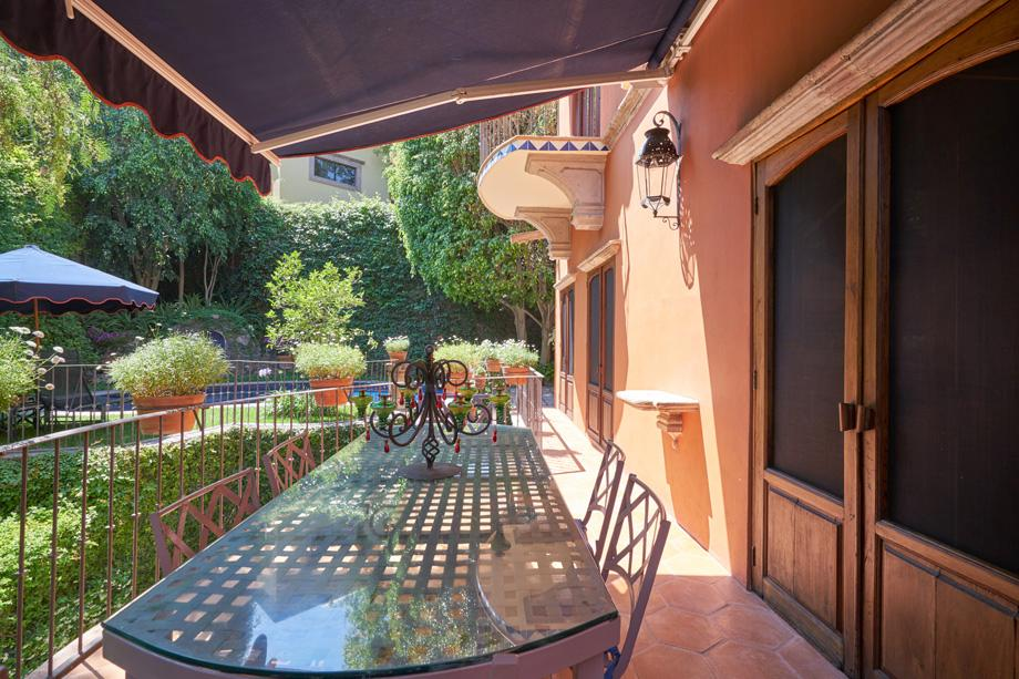 Luxury real estate CASA BAEZA