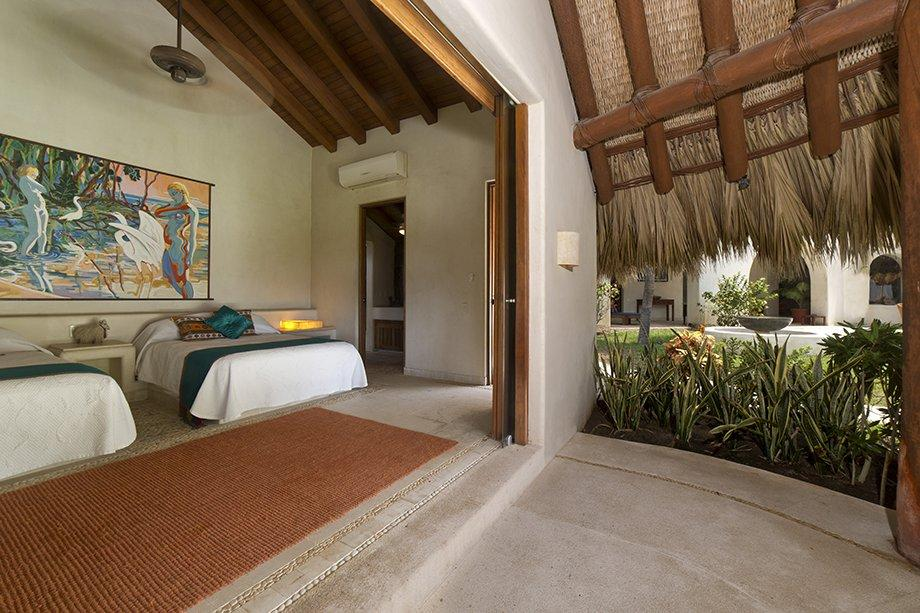 Shell Ryn luxury homes