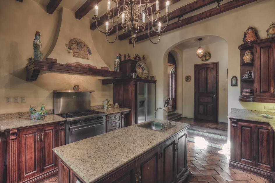 Mansions in VILLA SOLLANO