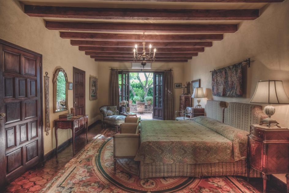 VILLA SOLLANO luxury homes
