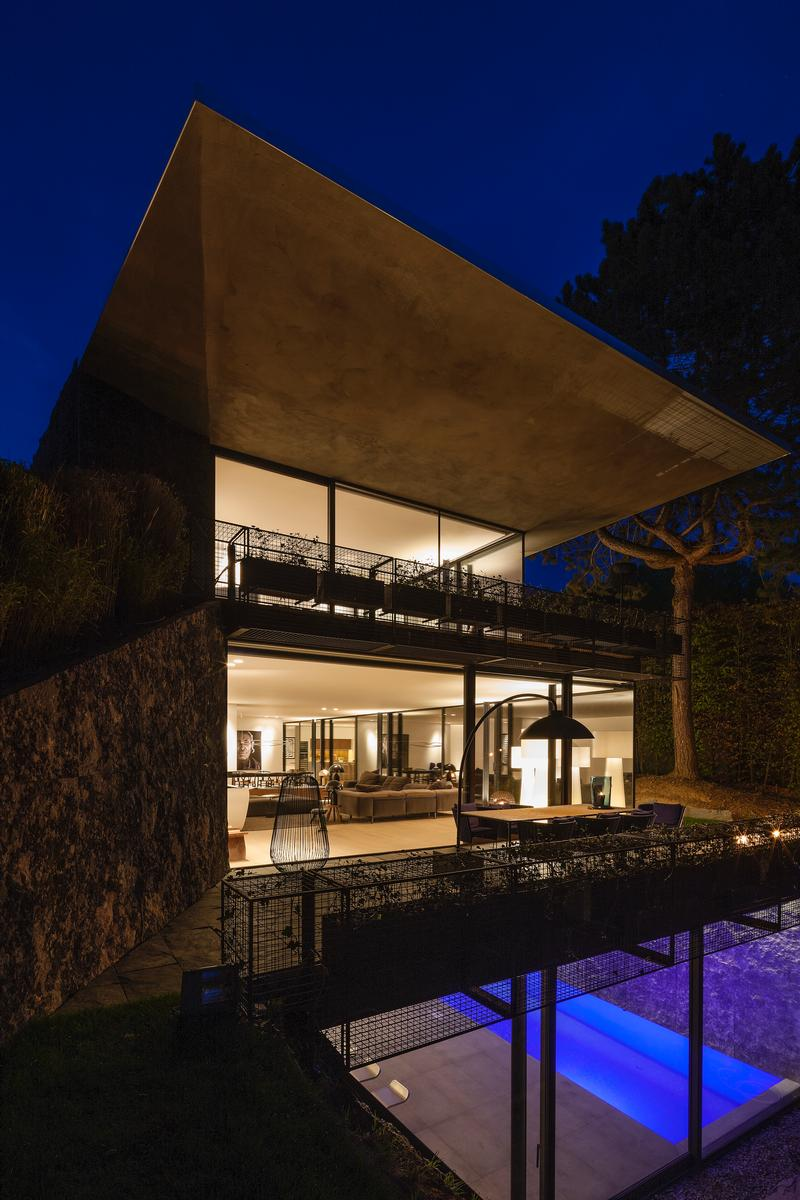 Luxury homes A Fantastic new and contemporary villa