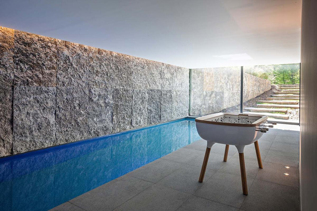 Luxury homes Exceptional contemporary villa with swimming pool