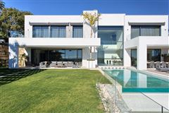 Newly built contemporary quality villa luxury properties