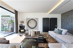 Mansions Newly built contemporary quality villa