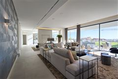 Newly built contemporary quality villa mansions