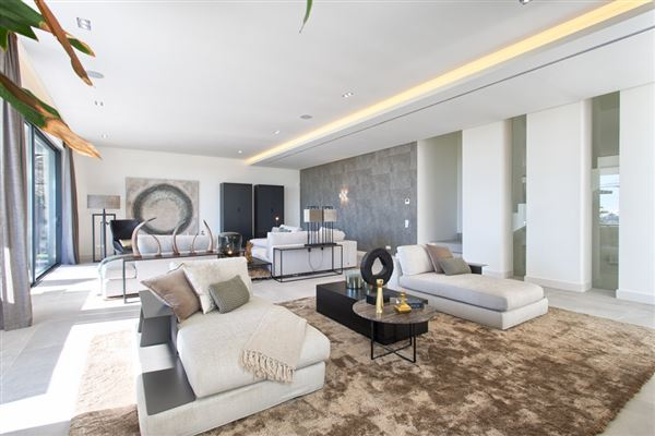 Newly built contemporary quality villa luxury real estate