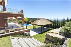 Luxury homes in spectacular newly built villa
