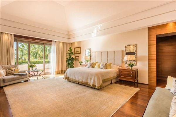 Elegant contemporary villa in Spain luxury homes