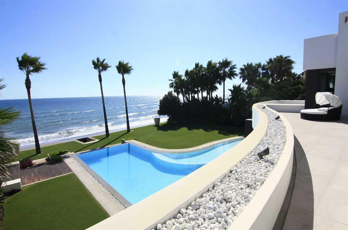 magnificent beachfront villa with grand sea views mansions