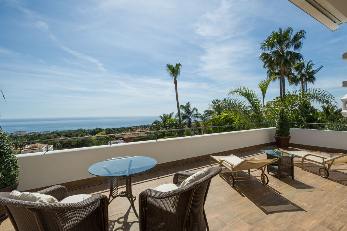 Luxury homes in this exceptional villa boasts breathtaking views