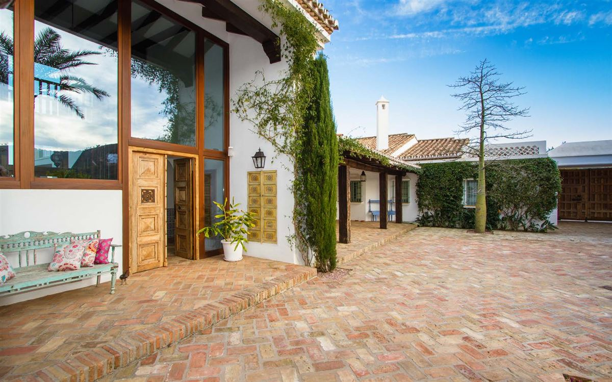 magnificent villa boasts peace and tranquility luxury real estate