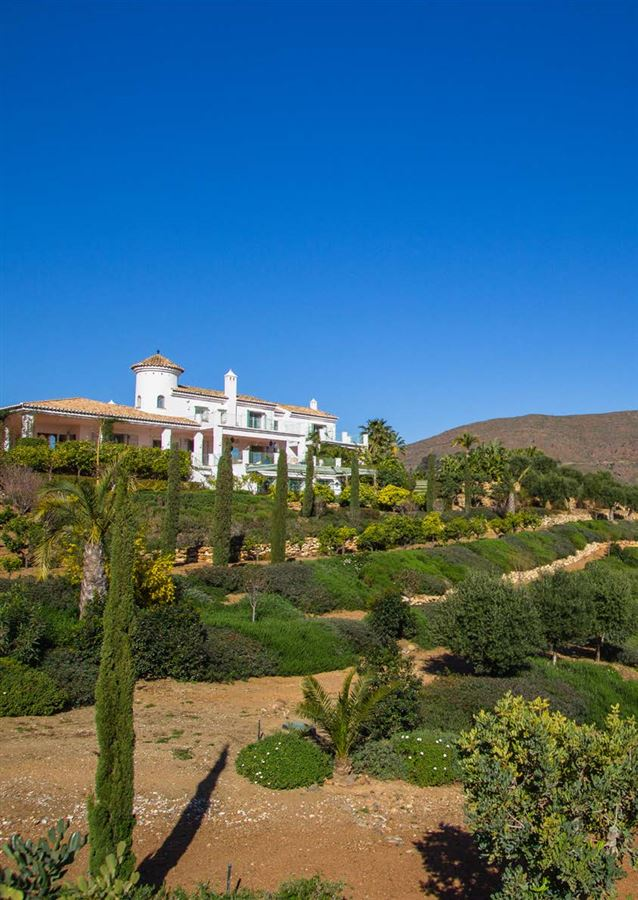 magnificent villa boasts peace and tranquility luxury properties