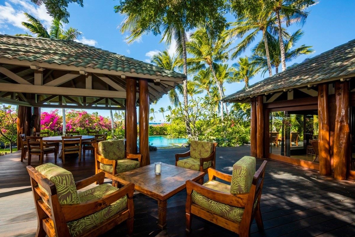 this one-of-a-kind estate home on Hawaii Island luxury real estate