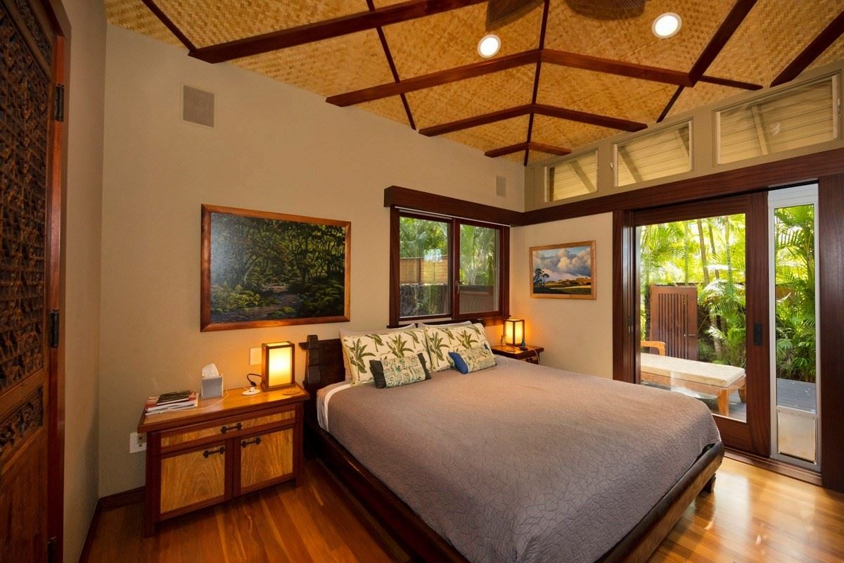this one-of-a-kind estate home on Hawaii Island mansions