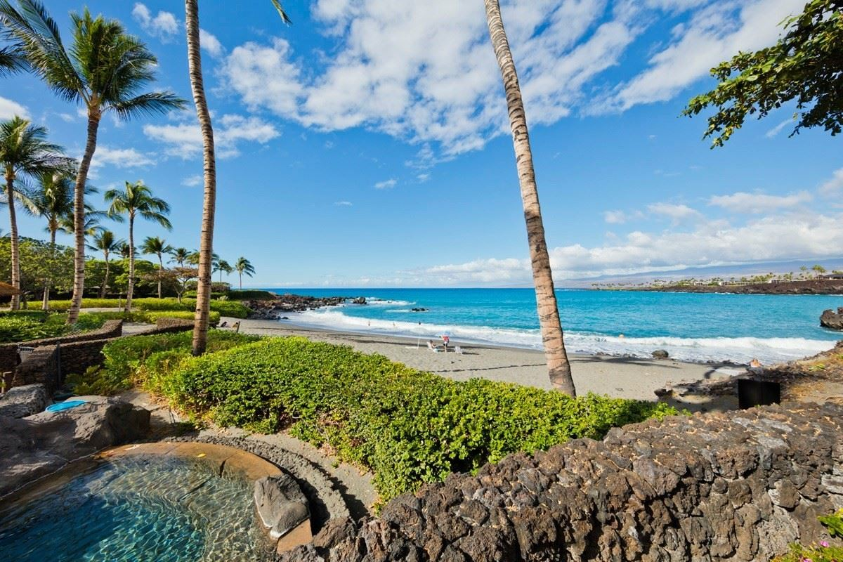 Luxury homes this one-of-a-kind estate home on Hawaii Island