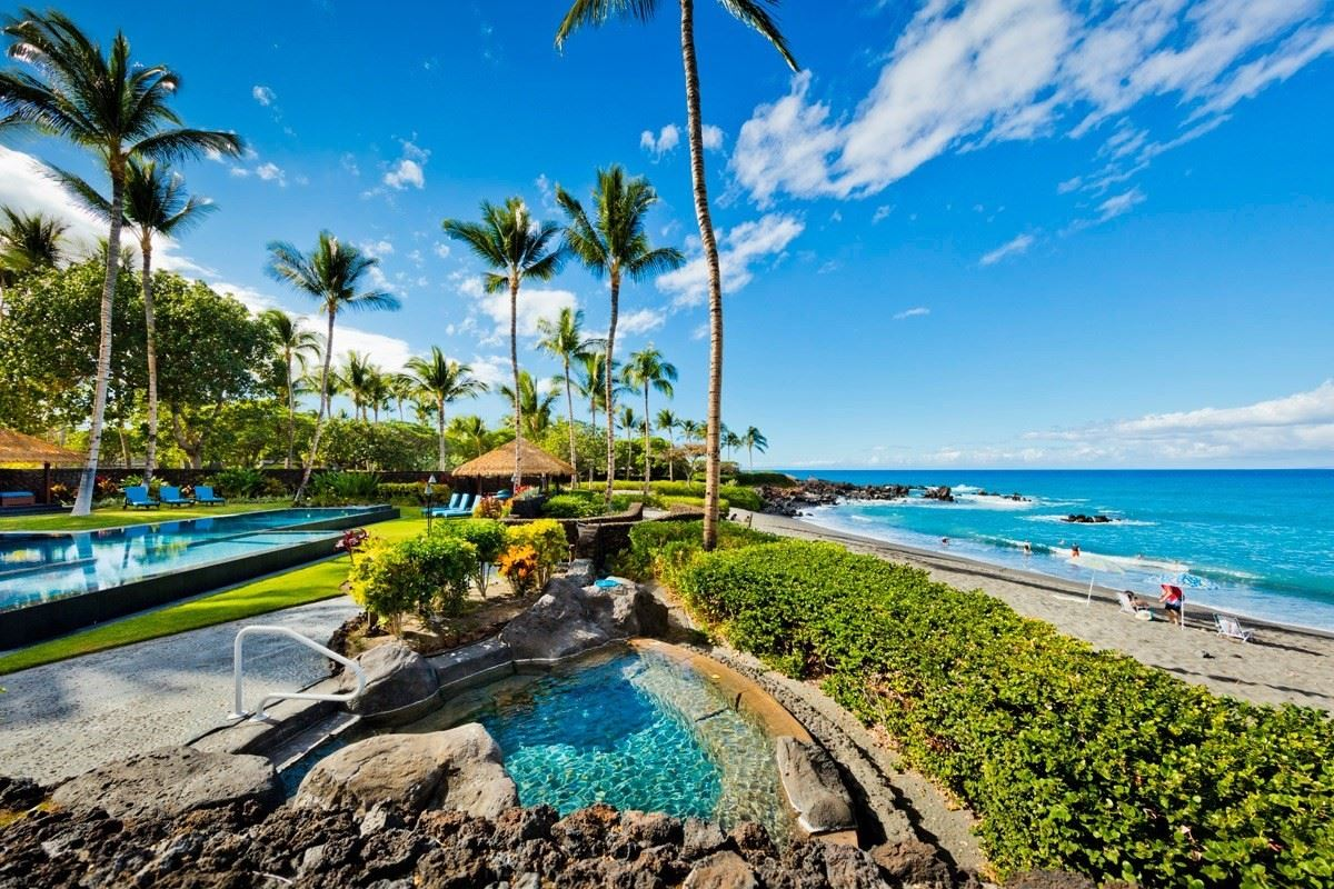 this one-of-a-kind estate home on Hawaii Island luxury properties