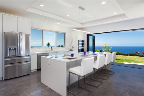 a luxury contemporary home in Bayview Estates luxury real estate
