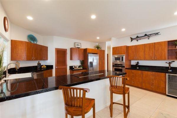 single-level residence in Kona Vistas luxury real estate