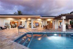 Luxury homes single-level residence in Kona Vistas