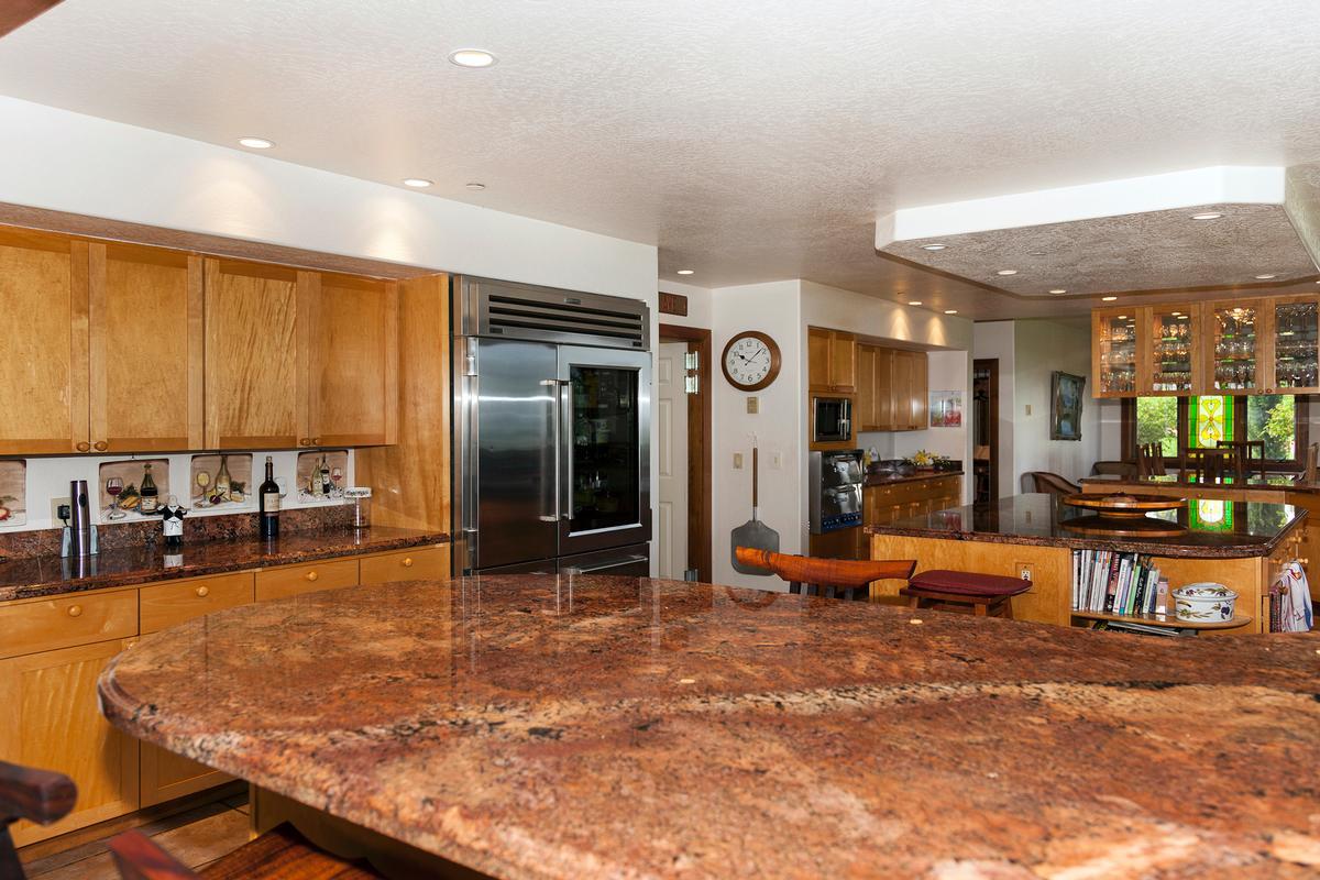 Luxury homes in Waikii Ranch Estates
