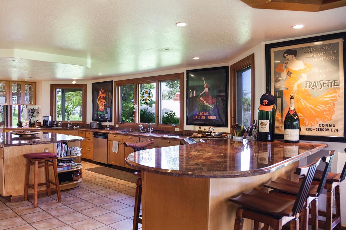 Mansions in Waikii Ranch Estates