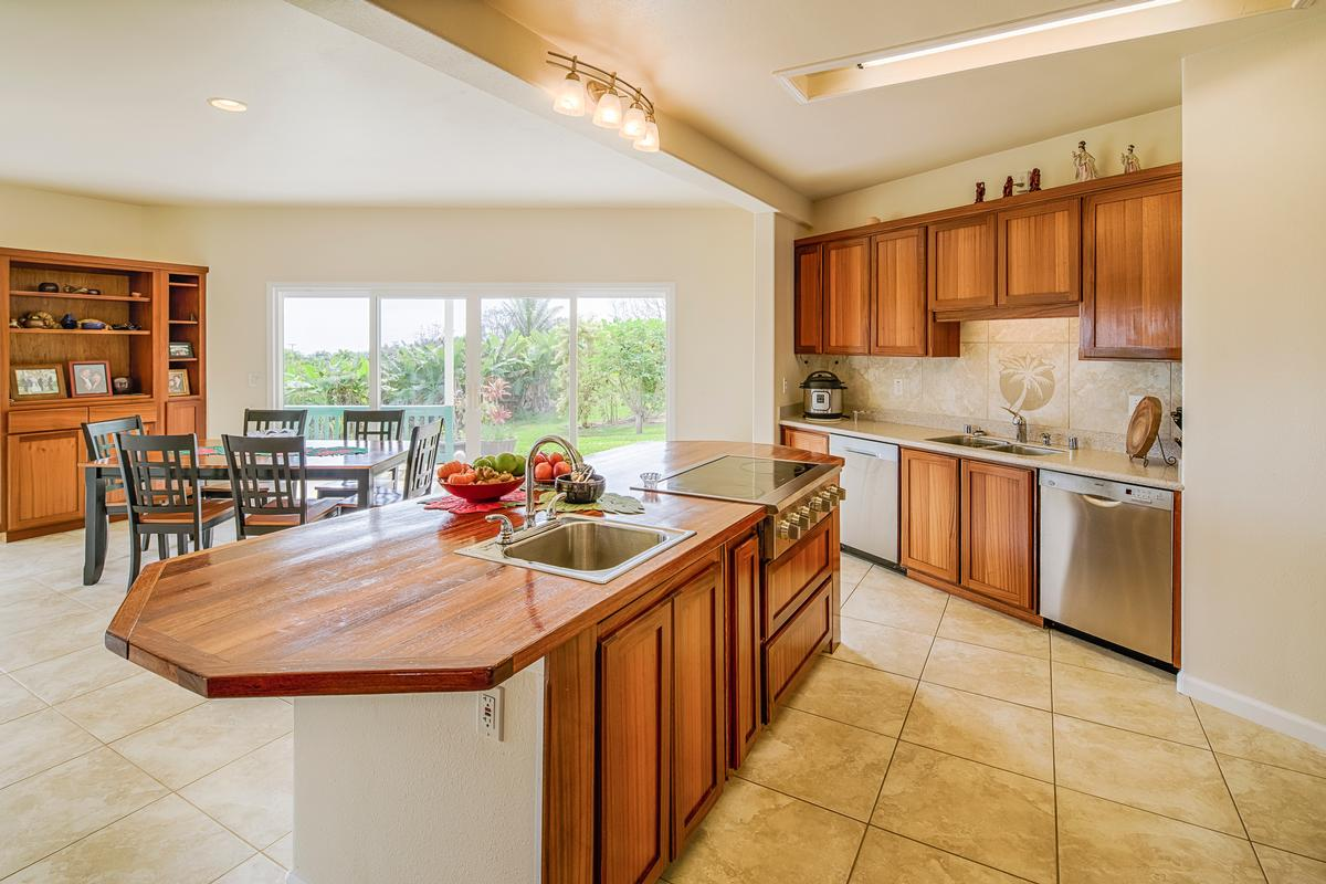 Luxury homes East Hawaii Ocean View Estate