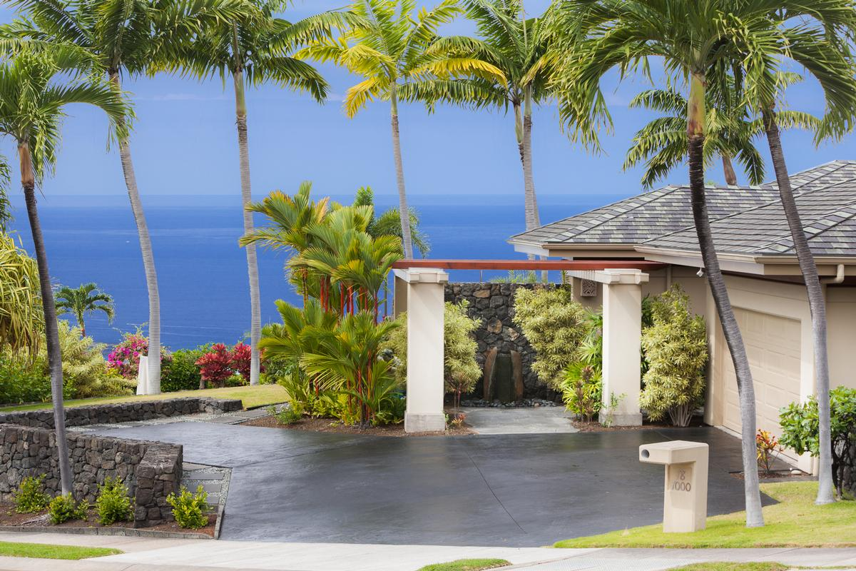 Luxury real estate Magnificent Bayview Estates Home in Hawaii