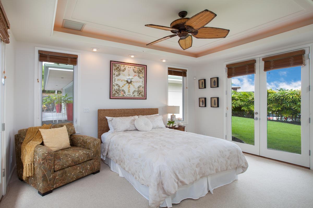 Luxury homes Elegant Island Living in Bayview Estates