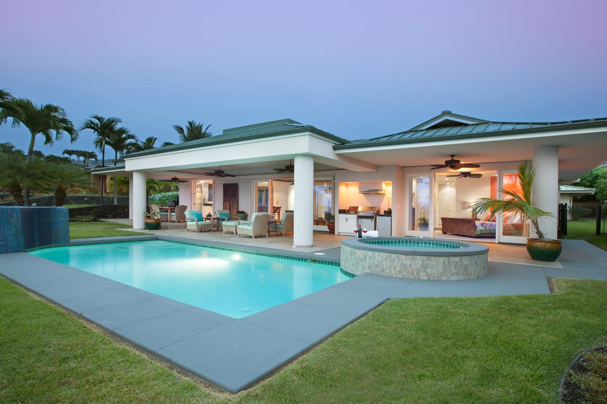 Elegant Island Living in Bayview Estates luxury properties