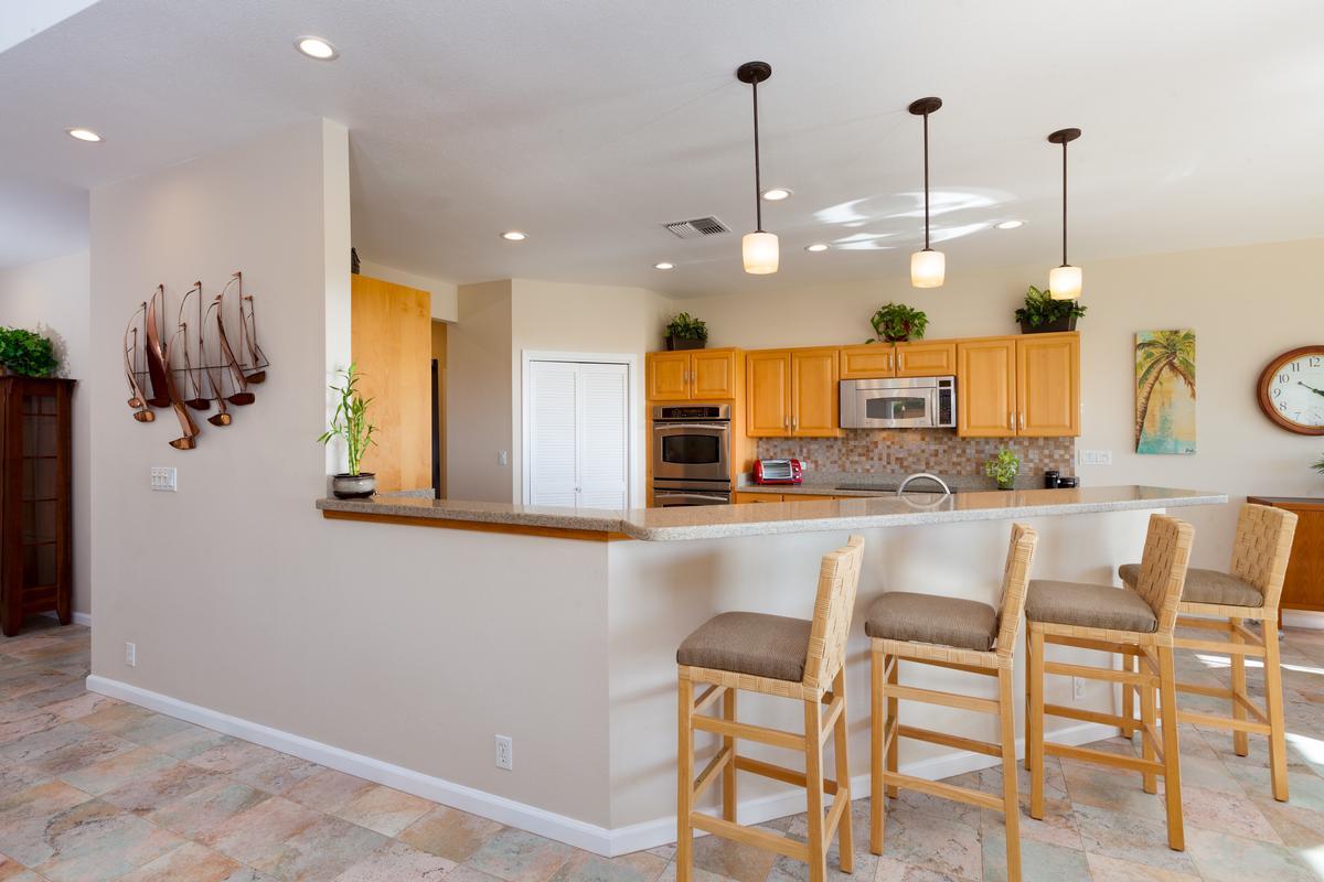 Custom Kahakai Estates Home luxury properties