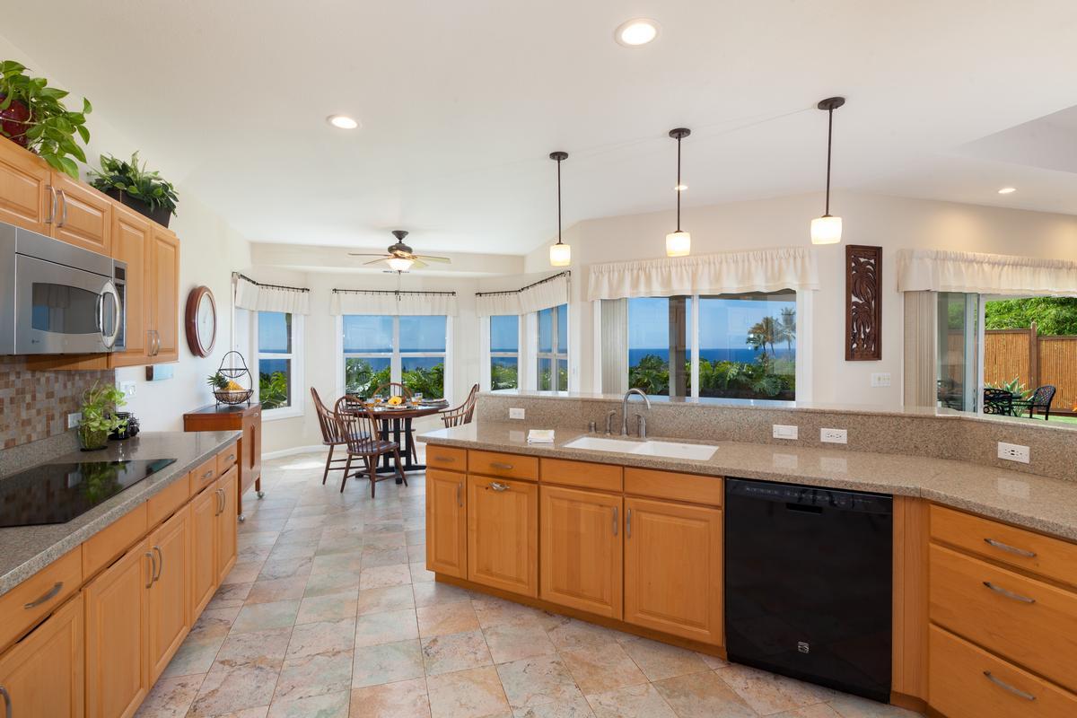 Luxury properties Custom Kahakai Estates Home