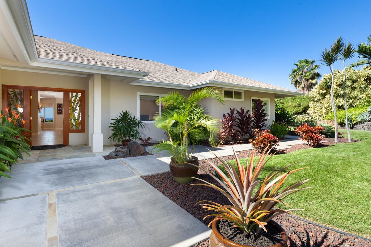 Custom Kahakai Estates Home luxury homes