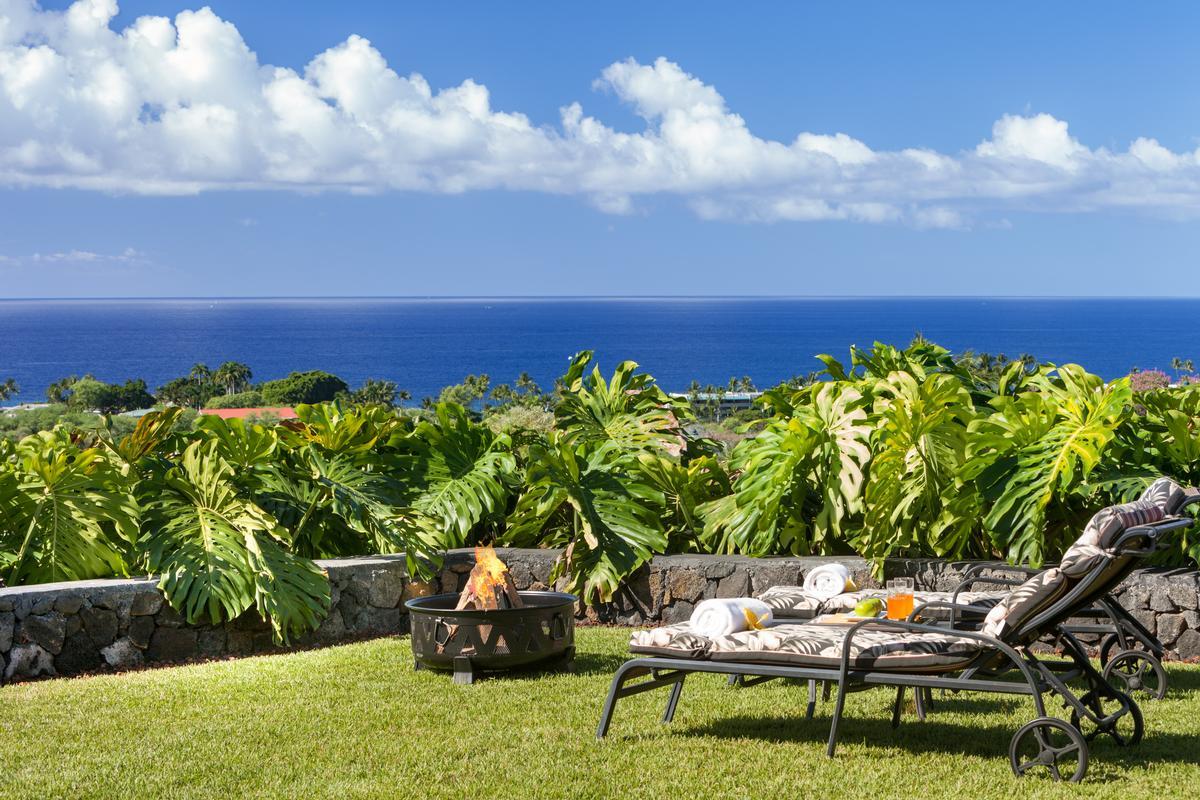Luxury homes Custom Kahakai Estates Home