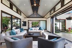 Luxury homes new-construction estate