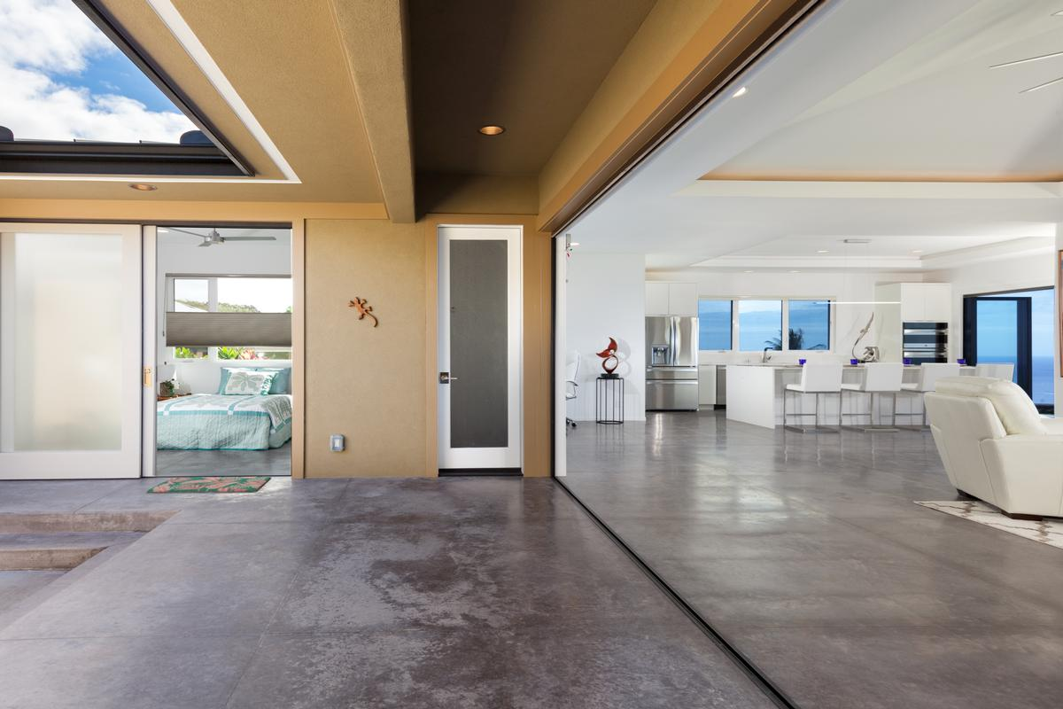 Mansions in Contemporary Luxury in Bayview Estates