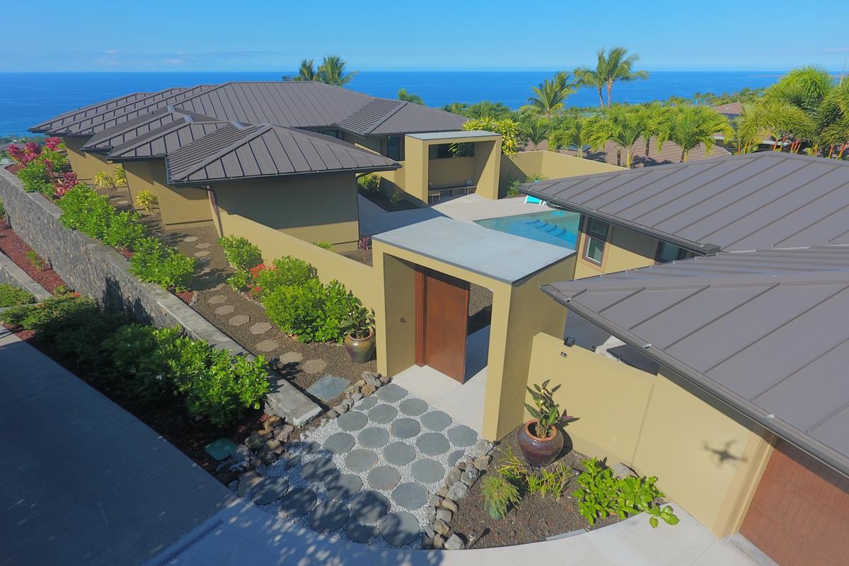 Contemporary Luxury in Bayview Estates luxury properties