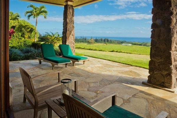 Luxury homes in Modern Design with pacific ocean views in EAst Hawaii