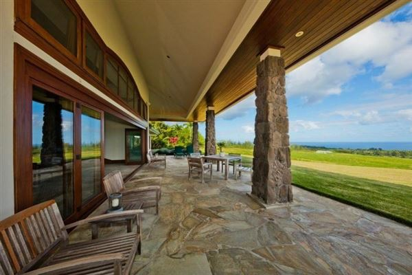 Mansions in Modern Design with pacific ocean views in EAst Hawaii