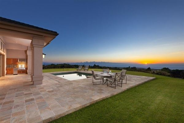 Custom-built resort quality residence mansions