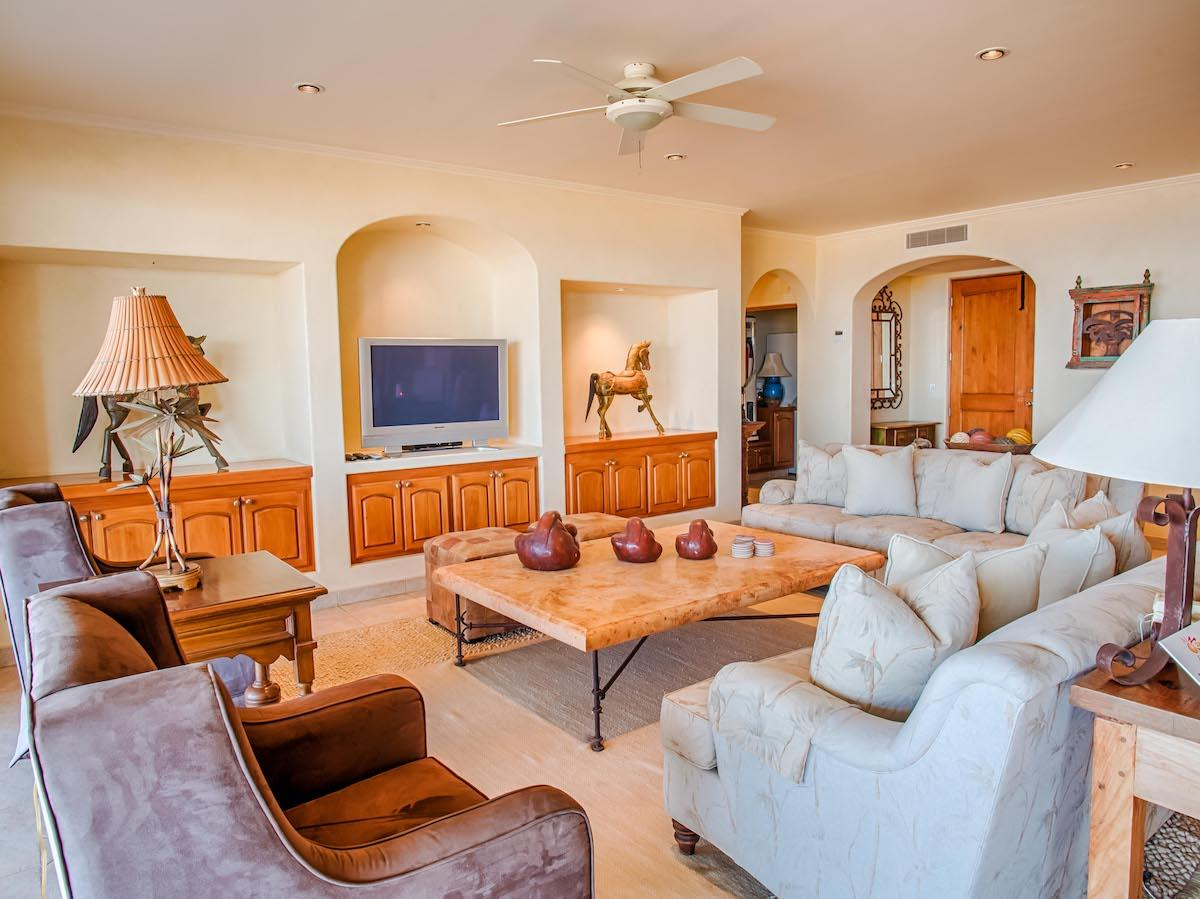 Mansions penthouse style beachfront condo