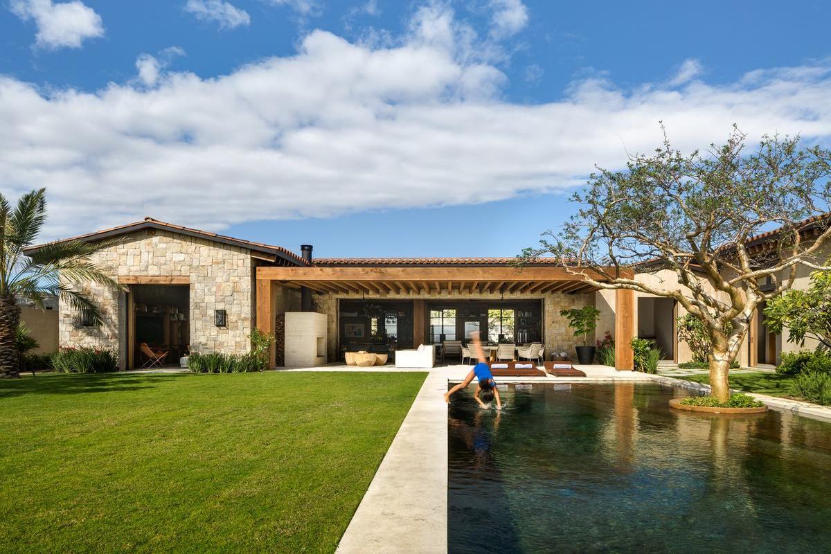Casa Niparaya mansions