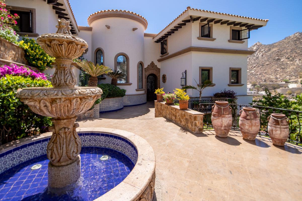 Luxury homes Spanish Colonial in Cabo San Lucas