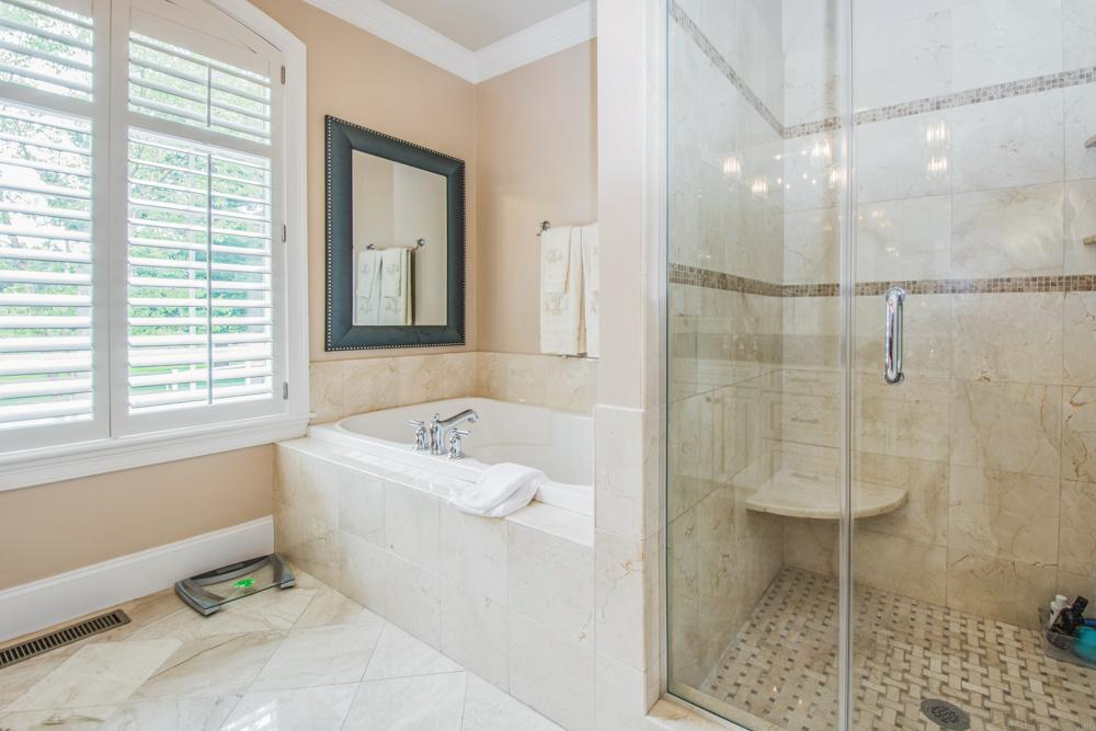 Luxury homes in gorgeous end unit Townhouse